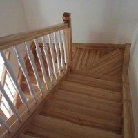 Kāpnes no masīvkoka